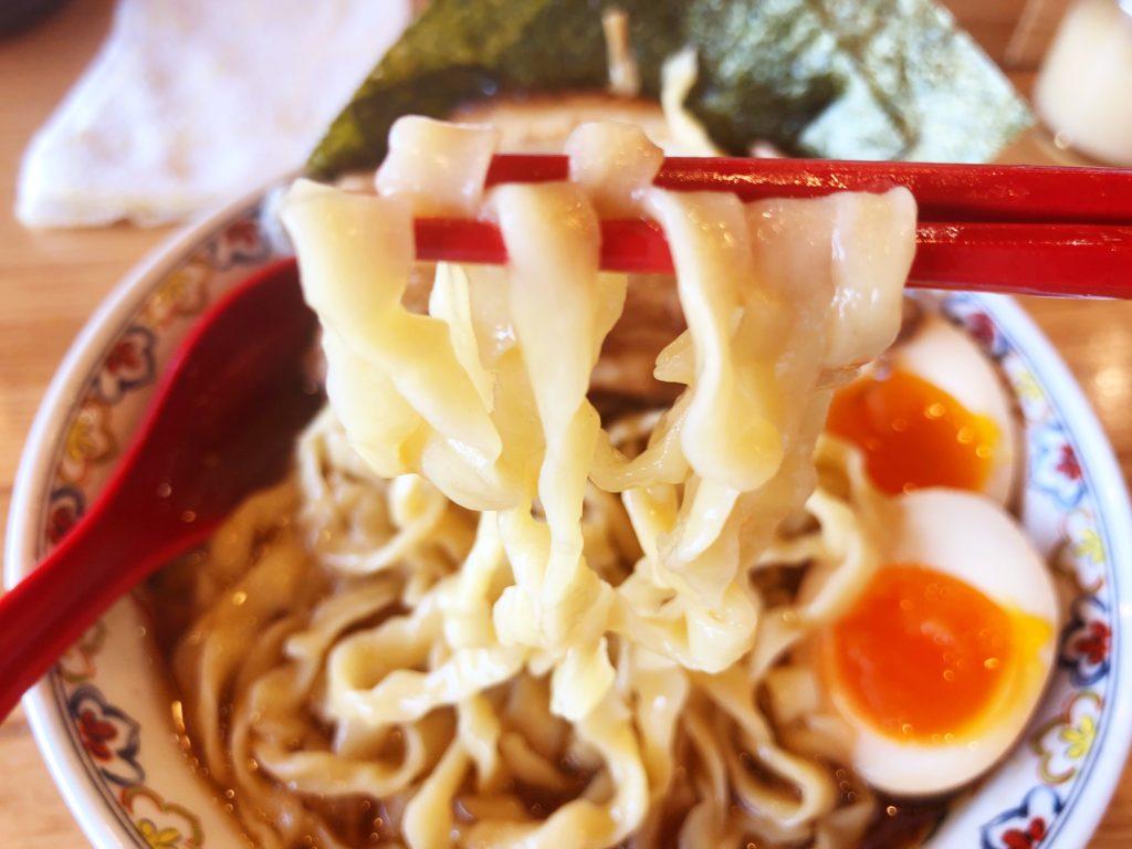 くじら食堂 nonowa 東小金井店の自家製平打ち麺