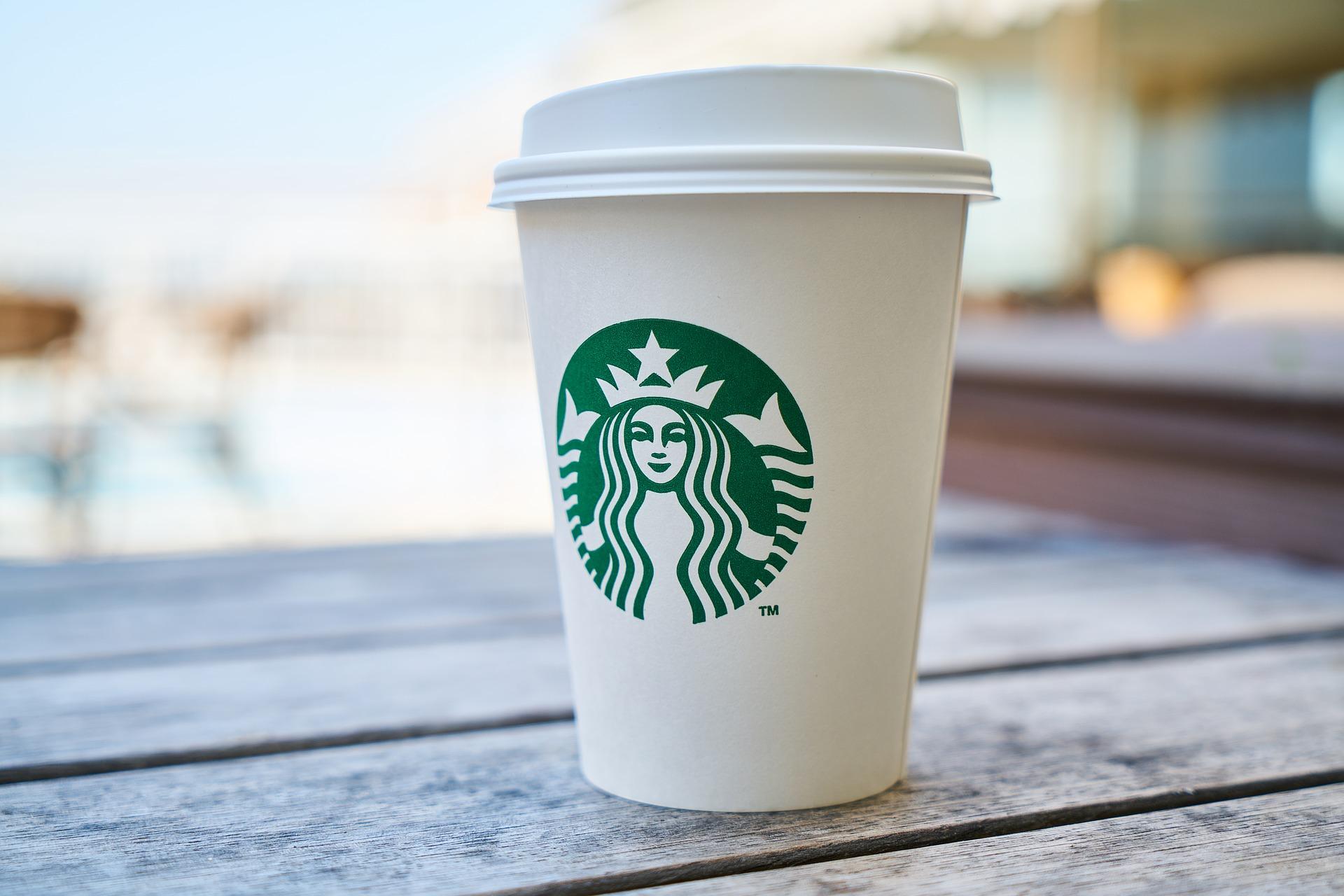 スターバックスコーヒーのカップ