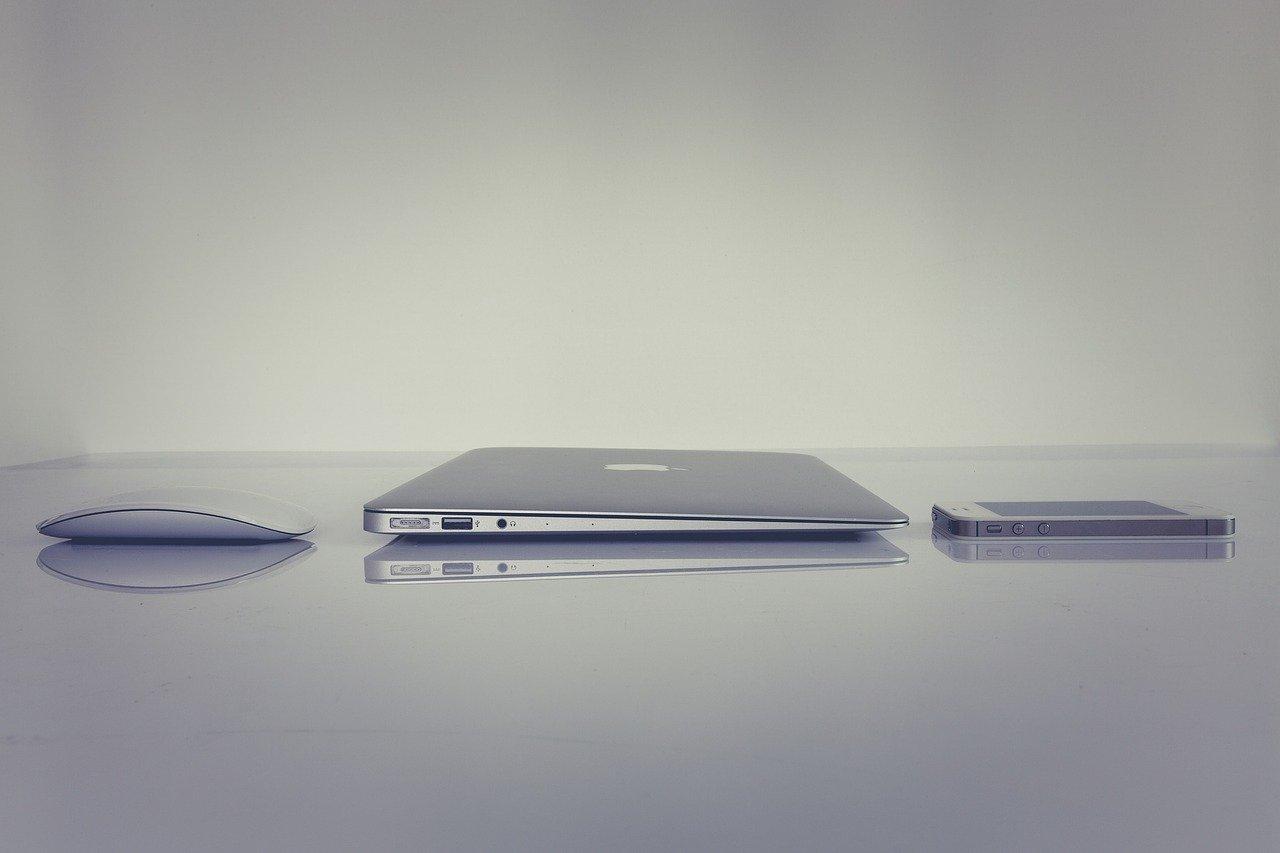macbook iphone